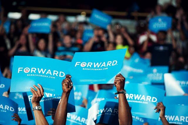 Forward-Not-back-Change-happens-barack-obama-30745434-640-426