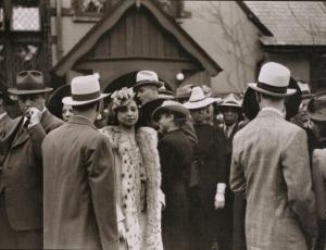 Edwin Rosskam. Easter Sunday, Chicago 1941.